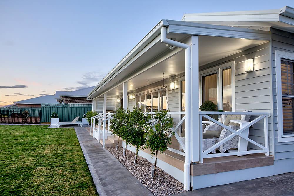 hamptons rear porch